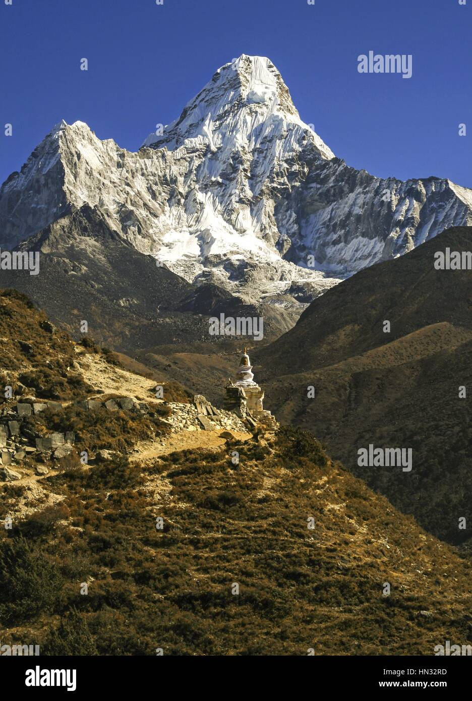 stock-photo-ama-dablam-mountain-and-budd
