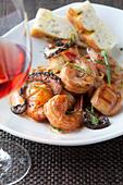 Close up of shrimp entree - Stock Image - CC7G3E