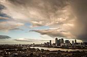 London, UK. 21st Oct, 2014. Remnants of hurricane Gonzalo over the city 2014 © Guy Corbishley/Alamy Live News - Stock Image - E9818K