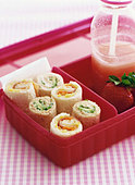 Sandwich rolls for packed lunch - Stock Image - B485DD
