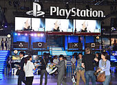 Makuhari, Japan. 18th Sep, 2014. Sony's PlayStation 4 makes its debut at the Tokyo Game Show which opens at the Makuhari Messe, east of Tokyo, on Thursday, September 18, 2014. The annual exhibition features nearly 750 games from 400 exhibitors for every type of console, smartphone and tablet. The Asias biggest gaming event is expected to draw more than 200,000 visitors on the four-day run. © Natsuki Sakai/AFLO/Alamy Live News - Stock Image - E7HA5T
