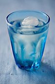 A glass of iced water - Stock Image - BJNT2D