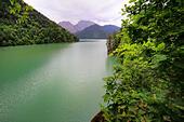Lake Ritsa, Caucasus mountains, Abkhazia, Georgia - Stock Image - EFN9GK