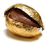 chocolate easter egg - Stock Image - B1EGM4
