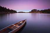 Canoe on Carlyle Lake in Killarney Provincial Park, Ontario, Canada. - Stock Image - CFD7TP