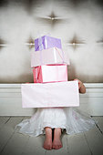 Little girl with birthday presents - Stock Image - B07TC5