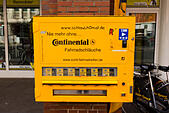 """""""Continental"""" Vending machine for bicycle inner tubes, Bremen, Germany - Stock Image - E6RARR"""