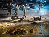 Bangkok, Bangkok, Thailand. 17th Aug, 2015. Thai police and bomb squad officers at the scene of an explosion in central Bangkok Monday. An explosion at Erawan Shrine, a popular tourist attraction and important religious shrine, in the heart of the Bangkok shopping district killed at least 19 people and injured more than 120 others, mostly foreign tourists, during the Monday evening rush hour. Twelve of the dead were killed at the scene. Thai police said an Improvised Explosive Device (IED) was detonated at 18.55. © ZUMA Press, Inc./Alamy Live News - Stock Image - F0K290