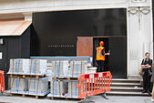 "London,UK. 27th August 2014. Workers make preparations as former Spice Girl Victoria ""Posh Spice"" Beckham is to open a shop in the fashionable district of Mayfair © amer ghazzal/Alamy Live News - Stock Image - E6N3CY"