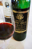 2002 in a glass chateau trottevieille saint emilion bordeaux france - Stock Image - BEAW5H
