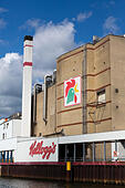 """Kellogs"" factory on the River Wesser at Bremen, Germany - Stock Image - E6RAW9"