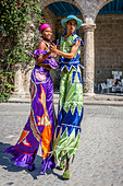 Street Entertainers Dancing On Stilts, Old Havana, Havana, Cuba - Stock Image - DN3X8J