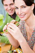 Man and woman eating health food - Stock Image - B0FCCW