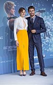 epa04661041 US actress Shailene Woodley (L) and British actor Theo James arrive for the German premiere of the movie 'The Divergent Series: Insurgent', in Berlin, Germany, 13 March 2015. The film will be released in on 19 March 2015 in German cinemas.  EPA/JOERG CARSTENSEN - Stock Image - EHNNEJ