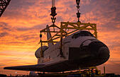 NASA space shuttle Endeavour is removed from the 747 Shuttle Carrier Aircraft and placed on the Over Land Transporter in preparation for transport September 22, 2012  in Los Angeles, California. Endeavour will now be moved to the California Science Museum by road in early October. - Stock Image - CM2YH1