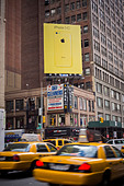 A billboard advertising the new Apple iPhone 5C in Midtown Manhattan in New York - Stock Image - DH0RH2