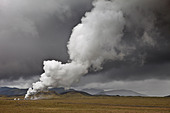 Geothermal hot springs steaming, South Coast, Iceland - Stock Image - BNC974