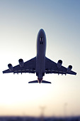 Commercial airliner - Stock Image - DANEGP