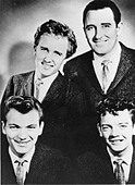 THE CRICKETS US vocal group in 1960. From l: Jerry Allison, Glen Hardin, Sonny Curtis, Earl  Sinks - Stock Image - CXN7XJ