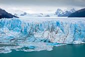 Perito Moreno glacier, Lago Argentino, Los Glaciares National Park, near El Calafate, Patagonia, Argentina - Stock Image - C90G17