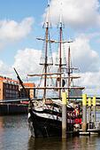 "Pirate ship restaurant, ""Pannekoekschip"", Bremen quayside. - Stock Image - E6RAWP"