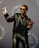 epa04367032 US rapper Juicy J poses with the award for best female video video for 'Katy Perry featuring Juicy J, Dark Horse' in the pressroom for the 31st MTV Video Music Awards at The Forum in Inglewood, California, USA, 24 August 2014.  EPA/MIKE NELSON - Stock Image - E6NDR9