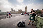 London, UK. 19th Sept, 2014.  Scottish Bagpipe player on Westminster Bridge 2014 © Guy Corbishley/Alamy Live News - Stock Image - E7K2K0