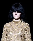 epa04396537 US model Kendall Jenner (L), sister of socialite and television personality Kim Kardashian, walks down the runway during the Spring 2015 collection show by Marc Jacobs at the Mercedes-Benz Fashion Week in New York, NY, USA, 11 September 2014. The Spring 2015 collections are presented from 04 to 11 September.  EPA/JASON SZENES - Stock Image - E7DBBC