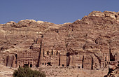 PALACE, CORINTHIAN, SILK AND URN TOMBS. PETRA. JORDAN. MIDDLE EAST - Stock Image - A3BF2N