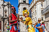 Street Entertainers Dancing On Stilts, Old Havana, Havana, Cuba - Stock Image - DN3X49