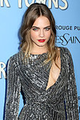 """New York, USA. 21st July, 2015. Cara Delevingne attends the premiere of """"Paper Towns"""" at AMC Lowes Lincoln Square on July 21, 2015, in New York. © C. Fletcher/Alamy Live News - Stock Image - EY6J0A"""