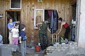 Abkhazian refugees living in Zugdidi (Republic of Georgia) - Stock Image - AA9YN1