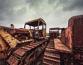 rusting tractors - Stock Image - D8977K
