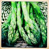 Asparagus on a table mat - Stock Image - S06FY6