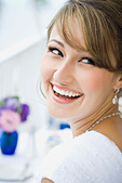 Portrait of a bride smiling - Stock Image - AMD4HJ