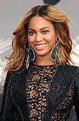 epa04367186 US singer Beyonce Knowles arrives on the red carpet for the 31st MTV Video Music Awards at The Forum in Inglewood, California, USA, 24 August 2014.  EPA/JIMMY MORRISON - Stock Image - E6NJX8