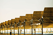Solar electric generating plant - Stock Image - BBC6CP