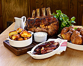 roast rib of beef sunday lunch - Stock Image - B7JJC4