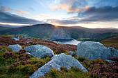 Sunset over Lough Tay, Wicklow Mountains, County Wicklow, Ireland. - Stock Image - C41T10