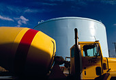 Yellow cement truck on the construction site of a water treatment plant, Hopewell, Virginia, USA - Stock Image - C915YM