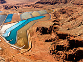 Aerial landscape of tailing ponds for mineral waste in rural Utah United States - Stock Image - B3A2J8
