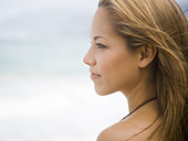 Profile of woman outdoors - Stock Image - BJK797
