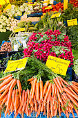 Fresh vegatables at the Saturday market, Bremen, Germany - Stock Image - E6RB58