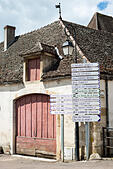 street sign pommard cote de beaune burgundy france - Stock Image - E7DA3B