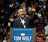 Philadelphia, Pennsylvania, USA. 2nd November, 2014. President Barack Obama Speaks at a Campaign Rally for Pennsylvania Democratic Gubernatorial Candidate Tom Wolf at The Liacouras Center at Temple University on November 02, 2014 in Philadelphia, Pennsylvania, United States. © Paul Froggatt/Alamy Live News - Stock Image - E9WPB3