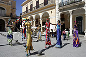 Havana, Plaza Vieja, Street Entertainers - Stock Image - AFF40P