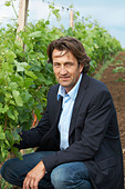 Christophe Dussutour, manager, winemaker chateau trottevieille saint emilion bordeaux france - Stock Image - BEAW31
