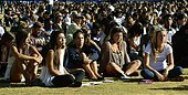 epa04228909 Students attend a memorial event for the six UCSB students killed and 13 wounded in a shooting rampage in the college town of Isla Vista, at Harder Stadium at the University of California in Goleta, California, USA, 27 May 2014. The suspected gunman, 22-year-old student Elliot Rodger, killed six people and wounded 13 as he drove through the college town shooting as well as running over victims in his BMW car before he died from a self-inflicted wound. Over 18,000 people mainly students attended the memorial service.  EPA/MICHAEL NELSON - Stock Image - E1CHK8