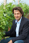 Christophe Dussutour, manager, winemaker chateau trottevieille saint emilion bordeaux france - Stock Image - BEAW2W