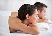Couple at spa - Stock Image - BEM8HK